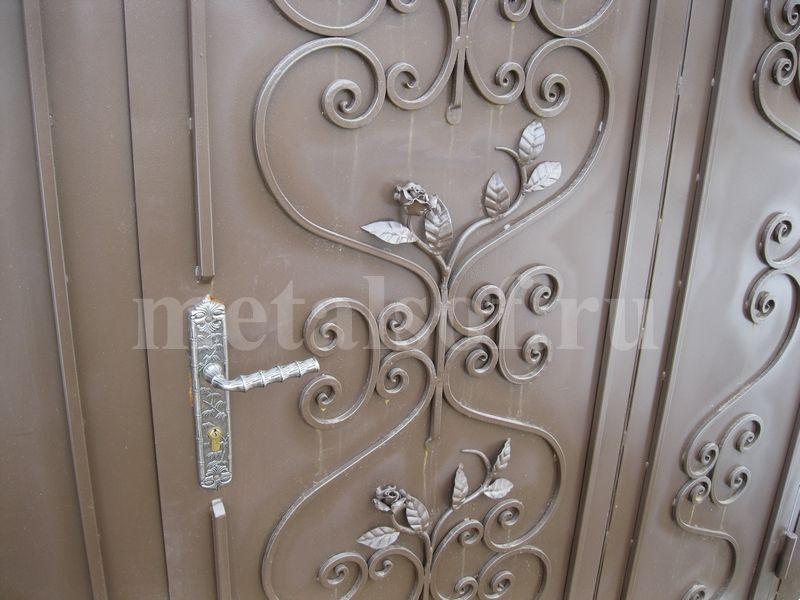 узоры на железной двери